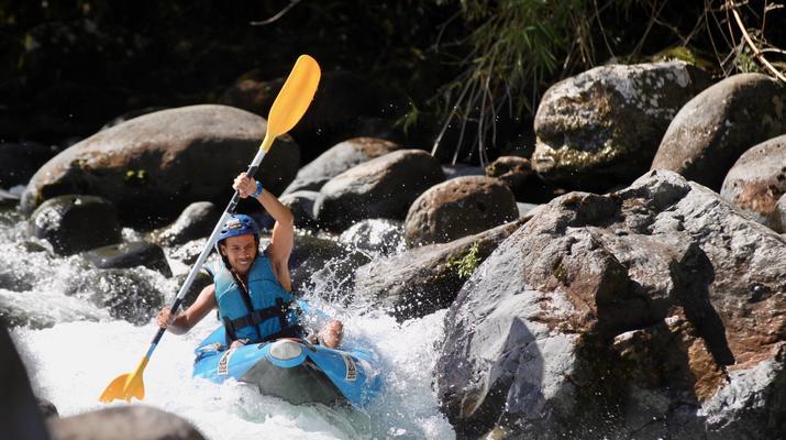 Canoë-kayak-Hautes-Pyrénées-Descente en Kayak sur le Gave de Pau, Hautes Pyrénées-1