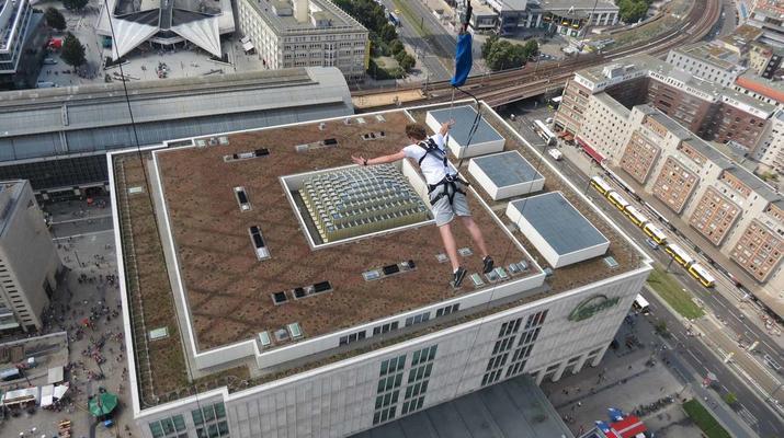 Bungeejumping-Berlin-Sky Jump am Alexanderplatz, Berlin Mitte-3
