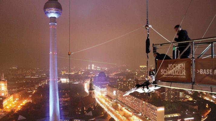 Bungeejumping-Berlin-Sky Jump am Alexanderplatz, Berlin Mitte-6