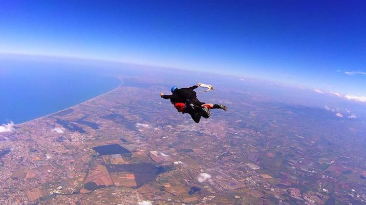 Skydiving-Rome-Tandem Skydive from 4000m in Nettuno, Rome-2