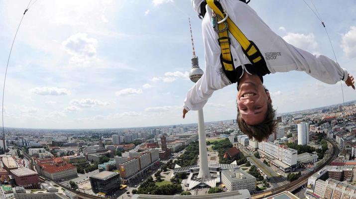 Bungeejumping-Berlin-Sky Jump am Alexanderplatz, Berlin Mitte-5