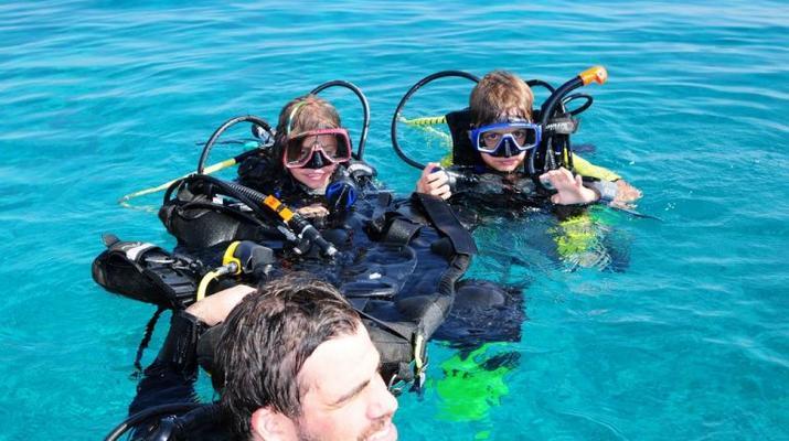 Scuba Diving-Paros-Discover Scuba Diving near Naoussa in Paros-2