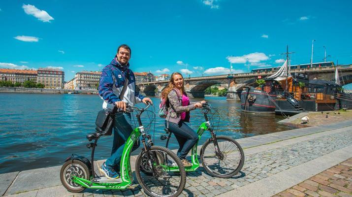 Trottinette-Prague-Visite en scooter électrique de Prague et de ses environs-1