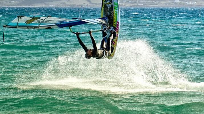 Kitesurfing-Paros-IKO Kitesurfing courses in Pounda, Paros-2