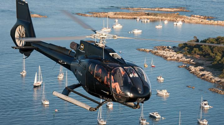 Helicoptère-Cannes-Vol panoramique partagé en hélicoptère au-dessus de la Côte d'Azur depuis Cannes-6