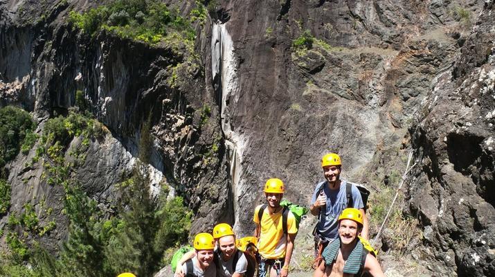 Canyoning-Cirque de Cilaos-Canyon de Fleur Jaune à La Reunion-6