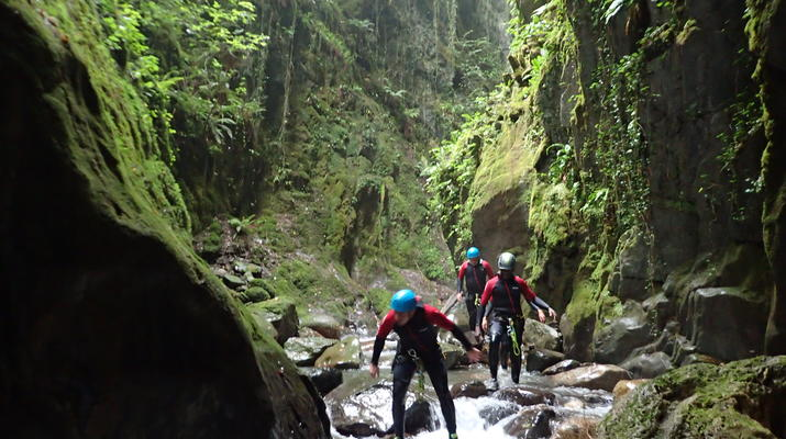 Canyoning-Laruns-Full day canyoning down the canyon of Canceigt and Bious  in Ossau Valley-5