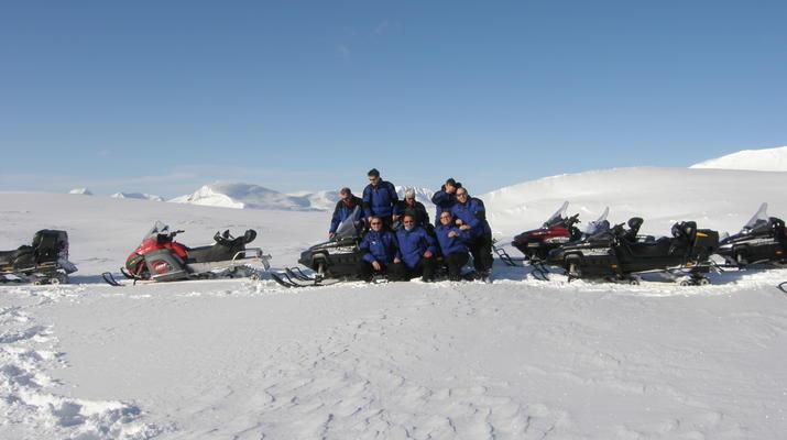 Motoneige-Kiruna-Excursion en motoneige avec déjeuner près de Kiruna-2