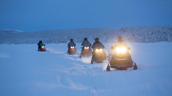 Motoneige-Kiruna-Circuit en motoneige aux aurores boréales près de Kiruna, Suède-1