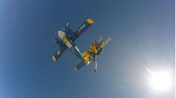 Skydiving-Sevilla-Tandem Skydive from 3100m in Sevilla-6