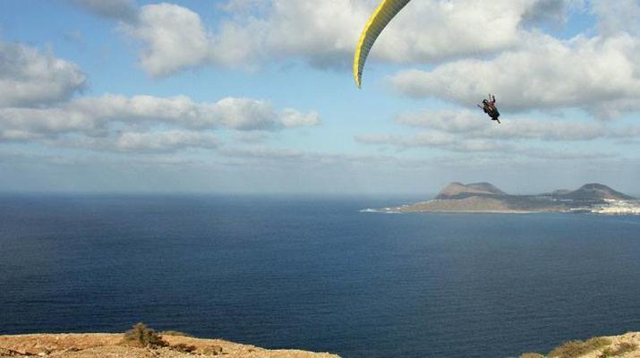 Paragliding-Las Palmas de Gran Canaria-Tandem paragliding in Los Giles, Gran Canaria-1