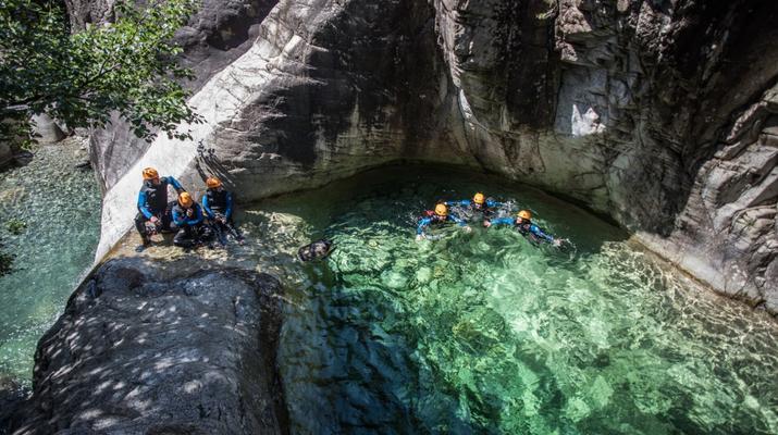 Canyoning-Ajaccio-Descente du canyon de la Richiusa à Bocognano près d'Ajaccio-1