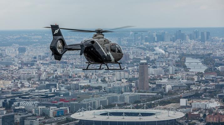 Helicopter tours-Paris-Helicopter ride over Paris and the Château de Versailles-2