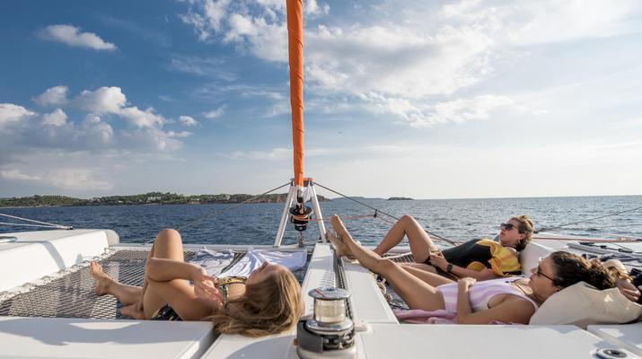 Sailing-Mykonos-Catamaran Sailing Cruise in Mykonos-2