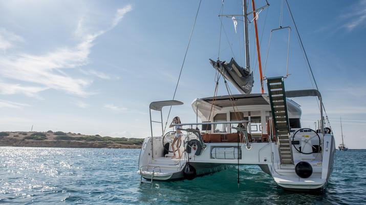 Sailing-Mykonos-Catamaran Sailing Cruise in Mykonos-3