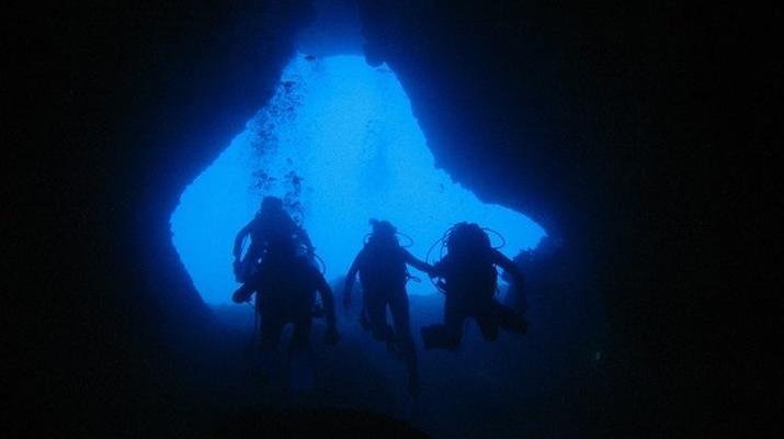 Tauchen-Almyrida-Abenteuertauchen in der Elefantenhöhle in Chania-4
