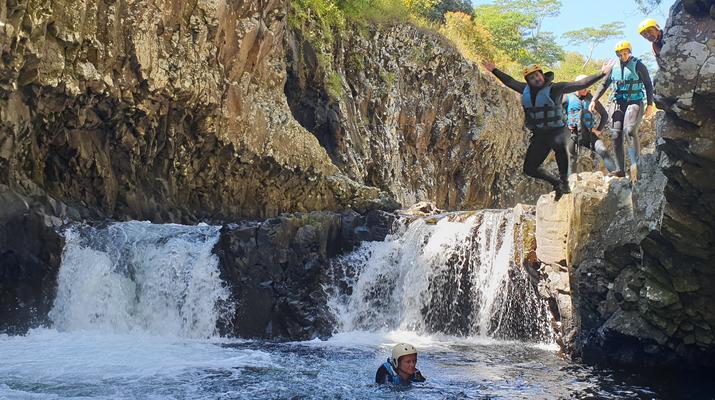 Canyoning-Rivière des Roches-Randonnée Aquatique au Bassin la Mer, Réunion-2