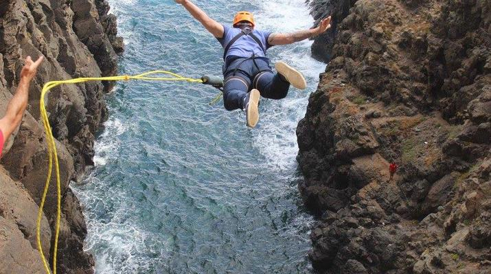 Bungee Jumping-Las Palmas de Gran Canaria-Rope Swinging (28 m) from La Calzada Bridge near Las Palmas de Gran Canaria-1