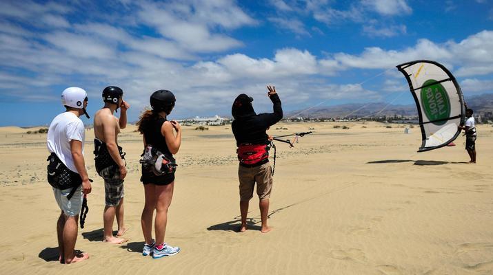Kitesurfing-Maspalomas, Gran Canaria-Kitesurfing lessons in Maspalomas, south of Gran Canaria-6