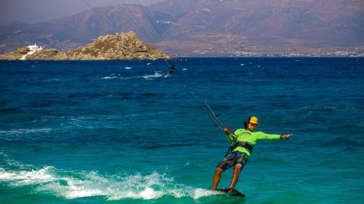 Kitesurfing-Naxos-Beginner to advanced kitesurfing courses in Mikri Vigla-1